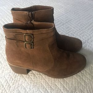 American Eagle Brown Suede Ankle Boots Sz: 7.5Wide